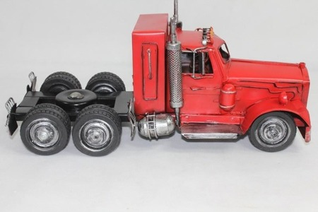 Replika auta ciągnik siodłowy 18x40x15