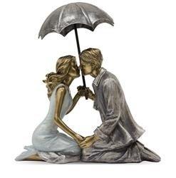 Figurka Całująca Się Para pod parasolką